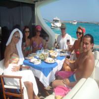 Si-a sarbatorit ziua de nastere la Ibiza! Julia Jianu a primit cadou o vacanta de cinci stele de la Nicu Gheara!