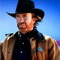Chuck Norris isi vinde casa!