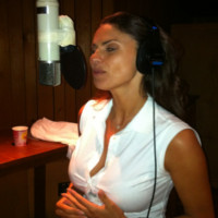 Ramona Badescu lucreaza cu o super echipa la albumul sau pentru Craciun