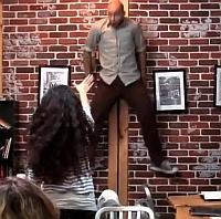 Video: Farsa care i-a lasat cu gura cascata pe clientii unei cafenele