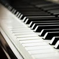 Incredibil! O pianista poate ajunge dupa gratii pentru ca facea repetitii in casa