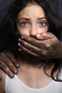 Experiment: Cum reacționează oamenii când un copil este răpit?