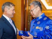 Premierul Dacian Cioloș a participat la recepția organizată cu ocazia Zilei Naționale a Republicii Populare Chineze