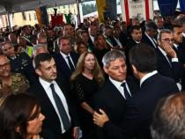 Premierul Dacian Cioloș și ministrul muncii, Dragoș Pîslaru, au mers în Italia, pentru a fi alături de comunitatea de români afectată de cutremur