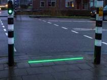 Un oras olandez are semafoare speciale pentru pietonii care nu-si pot dezlipi ochii de pe telefoane