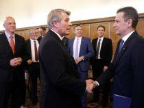 """Premierul Sorin Grindeanu: """"Germania este principalul partener comercial al României""""; Wolfgang Büchele: """"Stabilitatea este cheia dezvoltării afacerilor"""""""