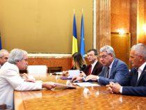 Premierul Mihai Tudose: Este nevoie de modificarea cadrului legislativ pentru eficientizarea activității institutelor de cercetare