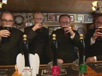 Sapte preoti sunt dati afara dintr-un bar deoarece i-au ridicat suspiciuni barmanului