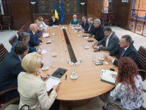 Split TVA și trecerea contribuţiilor de la angajator la angajat, subiecte abordate la întâlnirea premierului Mihai Tudose cu reprezentanţii Coaliției pentru Dezvoltarea României