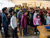Bal mascat, activităţi creative, joacă, sănătate şi cadouri pentru copii din centre de plasament