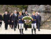 Prezentarea de condoleanţe şi depunerea unei coroane de flori la catafalcul Majestăţii Sale Regele Mihai I al României