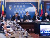 Premierul interimar Mihai-Viorel Fifor a participat la videoconferința cu prefecții din județele afectate de fenomenele meteorologice extreme
