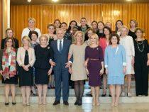 Dineu de lucru oferit de doamna Prim-ministru Viorica Dăncilă doamnelor ambasador acreditate la București, cu participarea doamnelor ministru din Guvernul României