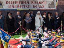 Participarea prim-ministrului Viorica Dăncilă la oficierea slujbei de resfințire a Bisericii Mănăstirii Dealu