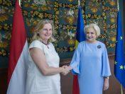 Întrevederea premierului Viorica Dăncilă cu ministrul afacerilor externe din Austria, Karin Kneissl