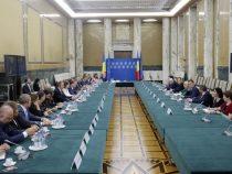 """Premierul Viorica Dăncilă: """"Pentru dezvoltarea cooperării în cadrul Parteneriatului Strategic România – SUA este nevoie de cât mai multe investiții"""""""