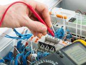 Electrician autorizat – executa cu maxima iscusinta o gama larga de lucrari