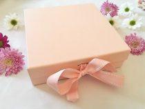 Cauti un cadou ideal pentru ea? Iata cateva  idei interesante care te vor scoate din impas