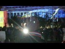 LIVE. Protestatarii din Piața Victoriei o susțin pe Kovesi. De ce este important să fim în stradă