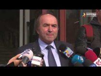Toader: Merg la Guvern şi îi prezint premierului demisia din funcţia de ministru al Justiţiei